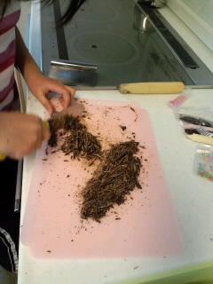 """""""今日は娘がチョコを手作りしてる姿(^。^;)"""""""